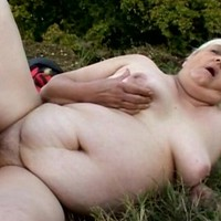 Granny with unstoppable sex appetite grabs cock and sucks it